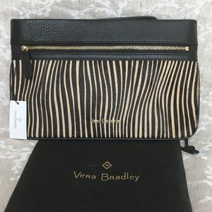 NWT Very Bradley Genuine Leather Mia Wristlet